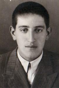 علی طاهری مدیر دبستان انوری