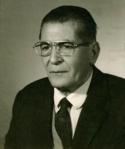 یوسف بهجت خامیار اولین مدیر دبیرستان صفوی