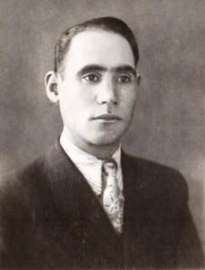 ابوالفضل صنمی اولین مدیر مدرسه آموزگار
