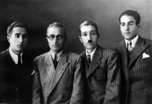 از راست به چپ : دکتر سید بهاالدین صفوی ، سید جمال الدین صفوی ، سید جلال الدین صفوی ، دکتر سید کمال الدین صفوی